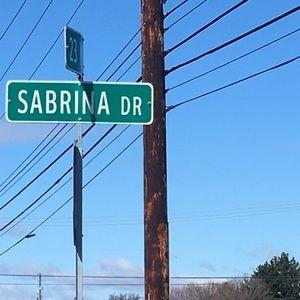 Meet your Posher, Sabrina